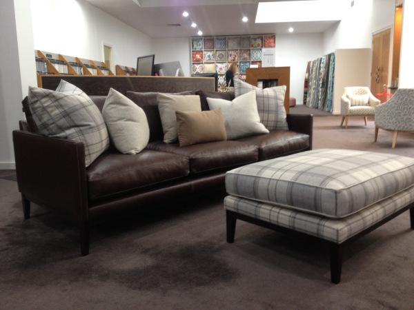laguno-sofa-and-ottoman